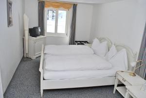 Hotel Rhonequelle, Отели  Обервальд - big - 8