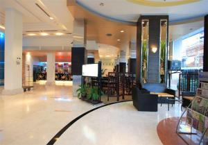 Golden Crown Grand Hotel - Ban Tha Sae