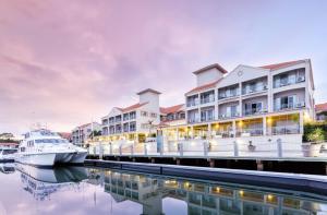 Marina Quays International Resort