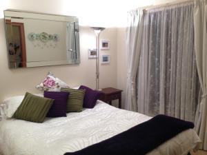 Mornington Cherry Blossom Bedsit - Accommodation - Mornington