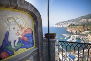 Domus San Vincenzo, Bed and breakfasts  Sant'Agnello - big - 29