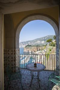 Domus San Vincenzo, Bed & Breakfast  Sant'Agnello - big - 47
