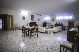 Domus San Vincenzo, Bed & Breakfast  Sant'Agnello - big - 43