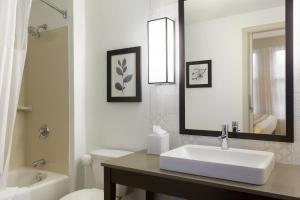 Country Inn & Suites by Radisson, Bloomington at Mall of America, MN - Hotel - Bloomington