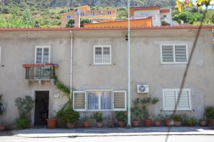 La Vecchia Montagna B&B, Bed and breakfasts  Gonnesa - big - 12