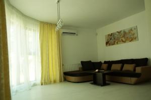 One-Bedroom Suite with Balcony Guest House Sany