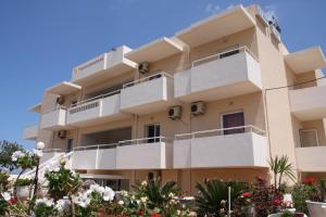 Silver Sun Studios & Apartments, Aparthotely  Malia - big - 37