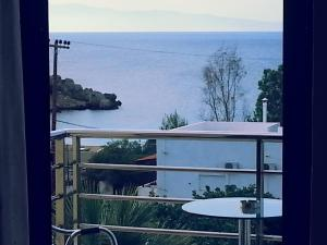 Triple Room with Sea View (3 Adults)