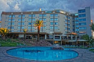 Safari Court Hotel