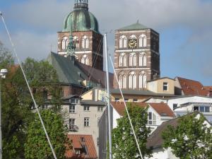 Pension Zur Fährbrücke, Hotel  Stralsund - big - 45