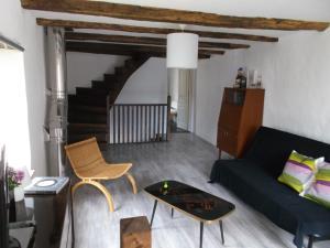 L'épicerie, Дома для отпуска  Melay - big - 21