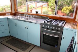 Ball Bay House - Norfolk Island Holiday Homes, Dovolenkové domy  Burnt Pine - big - 20