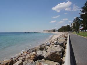 Glenelg Sea-Breeze, Bed and breakfasts  Adelaide - big - 4