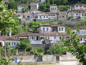 Guesthouse & hostel Lorenc - Velabishti
