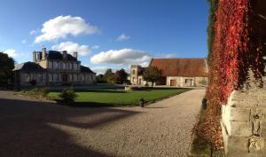 Location gîte, chambres d'hotes Carrière l'Évêque grand gite 15 personnes proche Paris Reims à la campagne entre amis en famille dans le département Aisne 2