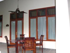 Villa Bugis Kalibaru, Pensionen  Kalibaru - big - 36