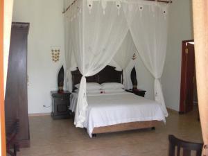 Villa Bugis Kalibaru, Pensionen  Kalibaru - big - 48