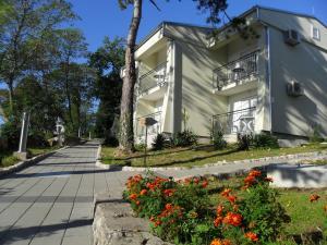 Hotel Vila Ružica - depandanse, Отели  Цриквеница - big - 34