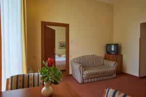 Hotel Vila Ružica - depandanse, Отели  Цриквеница - big - 20