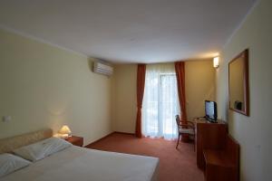 Hotel Vila Ružica - depandanse, Отели  Цриквеница - big - 7