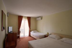 Hotel Vila Ružica - depandanse, Отели  Цриквеница - big - 5