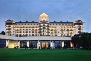 Location gîte, chambres d'hotes Hôtel Royal dans le département Haute Savoie 74