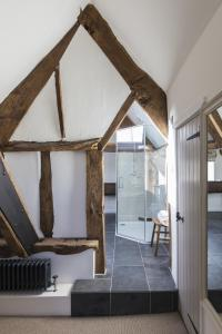 Tudor Farmhouse (20 of 60)