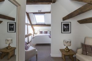 Tudor Farmhouse (15 of 60)