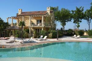 Adriatica Immobiliare - Acquatonda Apartments - AbcAlberghi.com