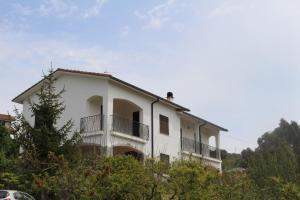 House in Caramagna - AbcAlberghi.com