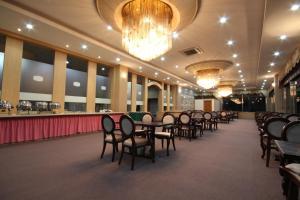 Tongyeong Tourist Hotel, Szállodák  Thongjong - big - 13