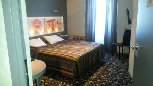 Hôtel de La Cloche, Hotel  Dole - big - 4