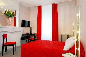 Hôtel de La Cloche, Hotel  Dole - big - 23