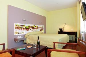 Hôtel de La Cloche, Hotel  Dole - big - 7