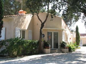Location gîte, chambres d'hotes Athéna STUDIOS dans le département Var 83