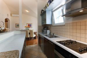Apartment Gold, Apartments  Trogir - big - 18