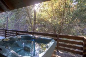 Yosemite Creekside Birdhouse, Ferienhäuser  Wawona - big - 10