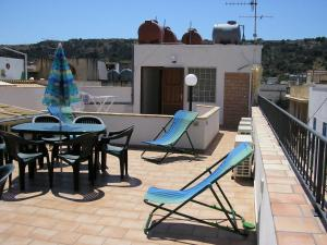 Apartment with Balcony Casa Francesca Case Paseda Piazza Centrale