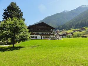 Hotel Steuxner - Neustift im Stubaital