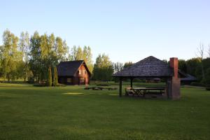 Recreation Center Brūveri, Комплексы для отдыха с коттеджами/бунгало  Сигулда - big - 108