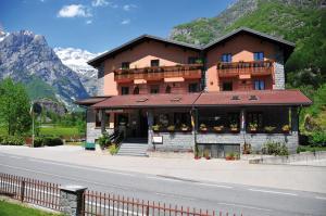 Hotel Ristorante Miramonti, Szállodák - Val Masino