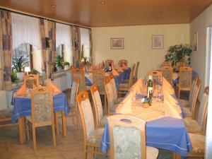 Hotel Restaurant Gunsetal, Hotels  Bad Berleburg - big - 22