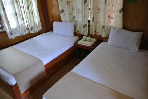 Dalom Guesthouse, Vendégházak - Dondet