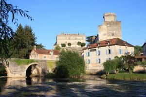 Location gîte, chambres d'hotes Hostellerie Les Griffons dans le département Dordogne 24