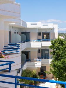 Balito, Aparthotels  Kato Galatas - big - 35