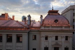 Pura Vida Sky Bar & Hostel, Hostelek  Bukarest - big - 16