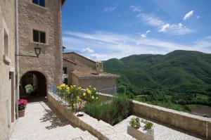 Castello di Postignano (32 of 37)