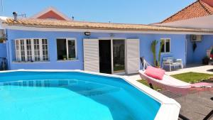 Family Villa 5 Minutes from the Beach, Charneca