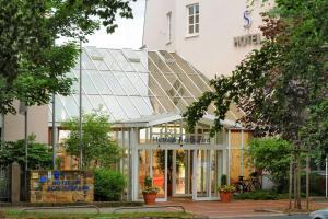 Hotel am Schlosspark - Ballstädt
