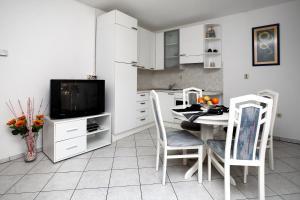 Apartments in Beautiful Split, Apartments  Podstrana - big - 9